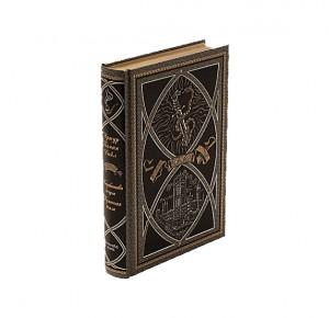 """Подарочная книга """"Маракотова бездна. Туманная земля"""""""