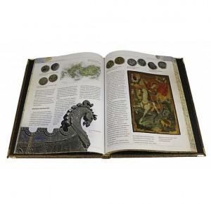 """Разворот с иллюстрациями подарочной книги """"История денег"""""""