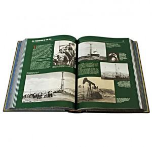 """Разворот подарочно книги на английском языке """"Нефть и газ"""""""